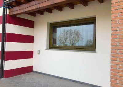 Falegnameria Lini realizzazione e installazione serramenti in legno alluminio e PVC, ante e persiane, rivestimenti per pareti in legno e PVC,  sostituzione serramenti con ante a battente, vetrate e finestre basculanti