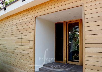 Falegnameria Lini realizzazione e installazione serramenti rivestimento pareti esterni e pavimento terrazza punto vendita Bellavista Franciacorta